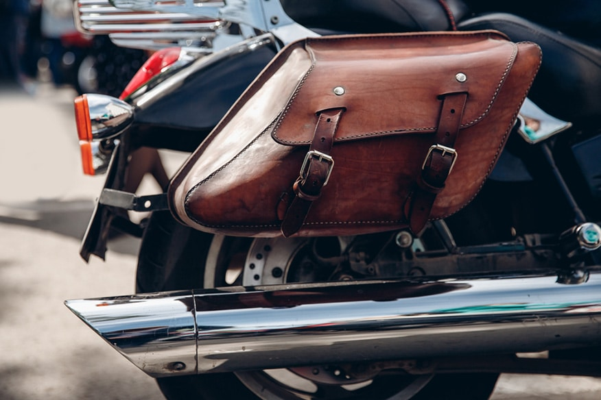 Traveler bag for motorcycle made of leather