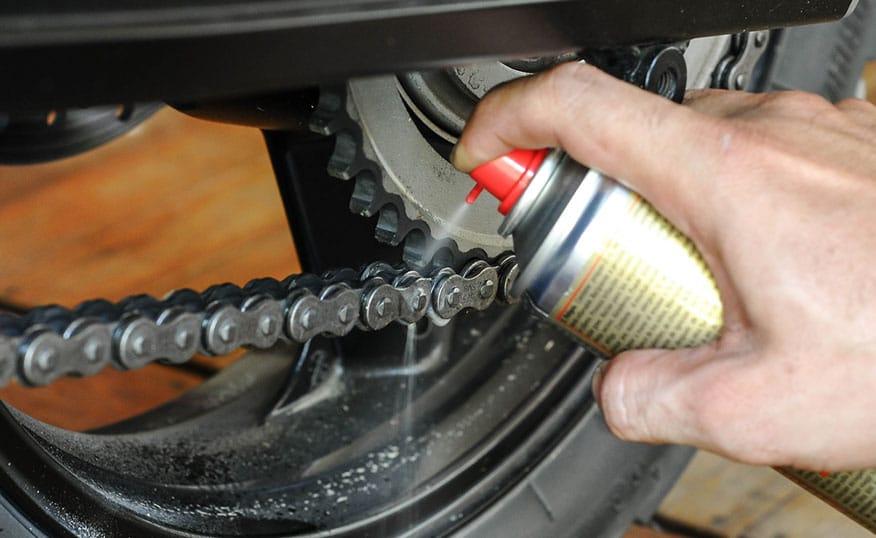lubricant spray on bike chains